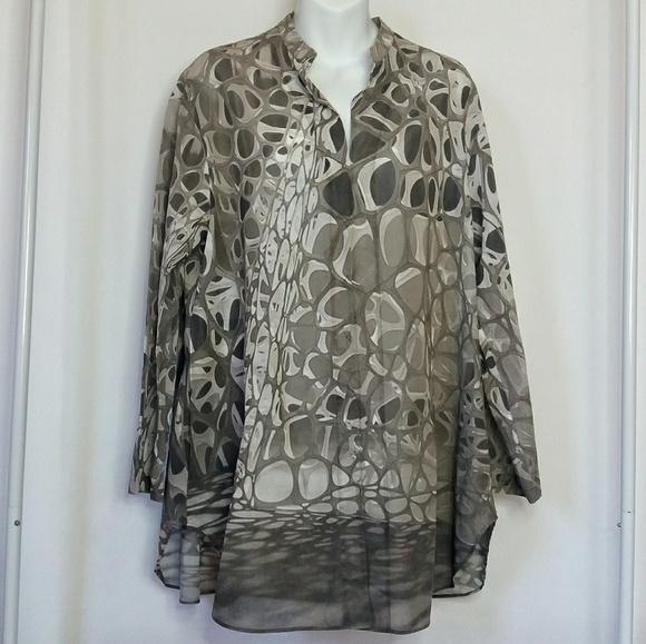 2a629e7f68e6f Bergdorf Goodman Tops - A-K-R-I-S Tunic pullover